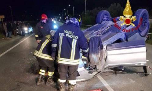 Catanzaro, incidente tra due auto in località Bellino sulla 106: feriti i conducenti