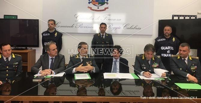 Una immagine della conferenza stampa a seguito dell'operazione Magma