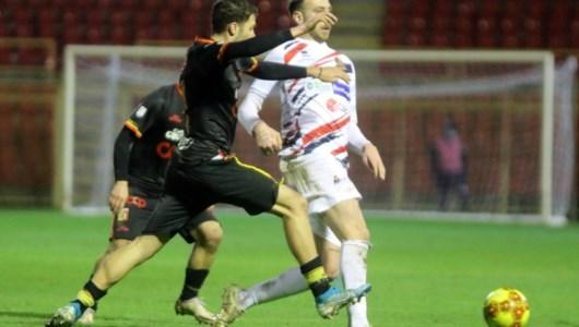 Lega Pro, Catanzaro all'ultimo respiro: Potenza battuto con un gol al 94'
