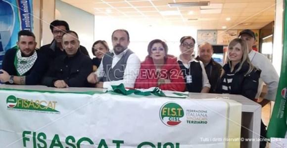 Lavoratori bar aeroporto Lamezia licenziati, Fisascat: «Nessuno ci ascolta»