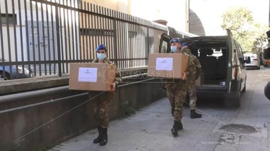 Covid Catanzaro, consegnati 6.400 test rapidi in 64 scuole della provincia
