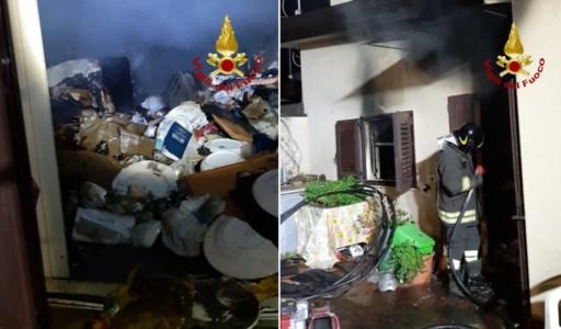 Davoli, incendio danneggia una casa: l'anziana proprietaria viveva sola e in condizioni igieniche precarie