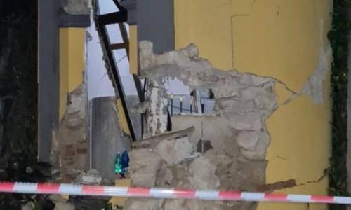 Cessaniti, auto impatta contro la chiesa di San Basilio: danni alla struttura