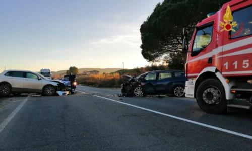 Incidente stradale sulla statale 106 a Strongoli: tre feriti