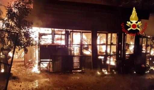 Incendio a Chiaravalle