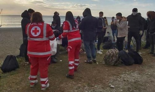 I migranti sbarcati a Bovalino