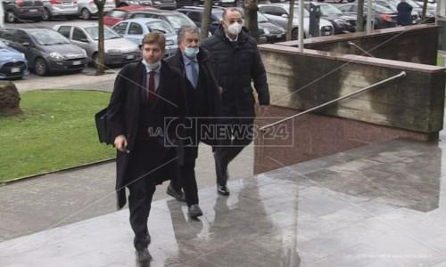 L'arrivo di Cotticelli in tribunale a Cosenza