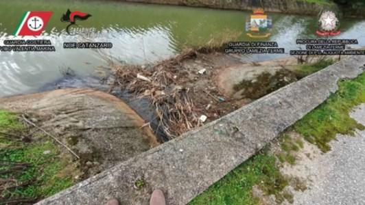 Inquinamento area industriale di Lamezia, perizie al via. Legambiente: «Presto analisi in mare»