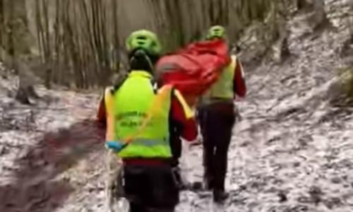 Cade e si frattura una gamba sul Pollino: escursionista salvata dal soccorso alpino