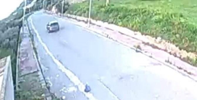 Il responsabile nel frame di un video della Polizia municipale
