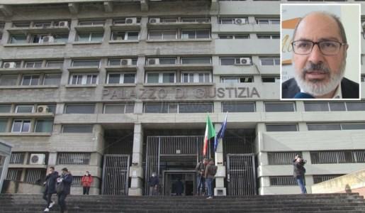 Il tribunale di Cosenza e, nel riquadro, Raffaele Mauro