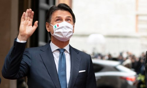 Giuseppe Conte saluta i dipendenti di Palazzo Chigi