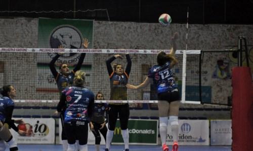 Pallavolo, le ragazze della Poseidon Crotone vincono 3 a 0 con la Battipagliese