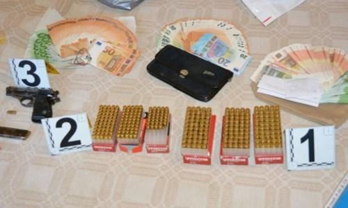 Pistola e munizioni in casa, la polizia arresta un 61enne nel Vibonese