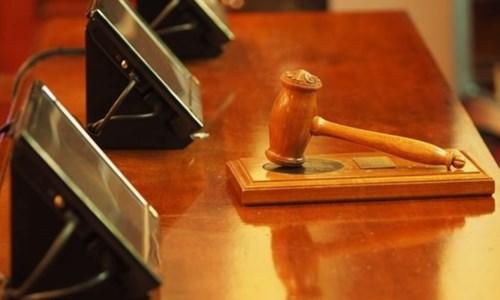 Perizie false per scarcerare il boss, una condanna e tre assoluzioni in abbreviato