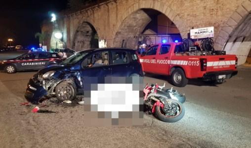 Incidente mortale a Mammola, nello scontro auto-moto perde la vita 45enne