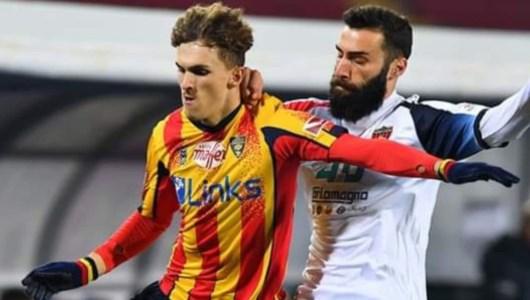 Serie B, Cosenza sconfitto a Lecce 3-1 ma un rigore generoso cambia il corso del match