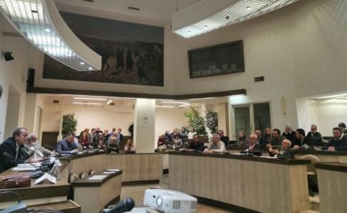 Uno degli incontri del comitato tenuto a Crotone (sala consiliare)