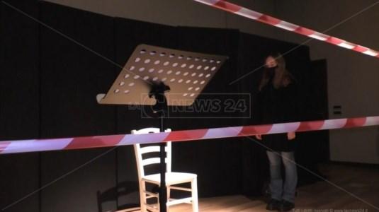Covid, anche a Catanzaro teatri illuminati a un anno dallo stop degli spettacoli