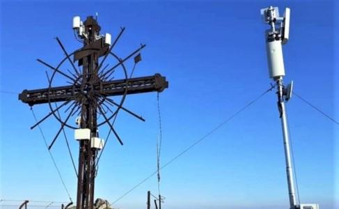 Cassano, parte la campagna per rimuovere le antenne sulla croce del Castello
