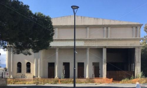 Il teatro Arena Lido di Reggio Calabria pronto alla rinascita dopo decenni di degrado e incuria