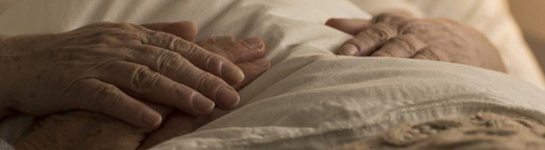 Condannati al Covid, niente vaccino per gli anziani della Rsa abusiva di Vibo