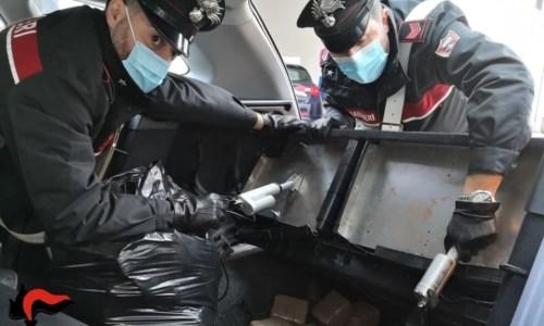 Villa San Giovanni, corriere della droga arrestato con 18 chili di hashish