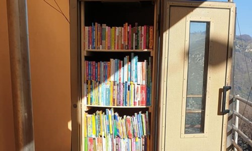 San Mango D'Aquino, inaugurata una mini biblioteca in un'antica cabina telefonica