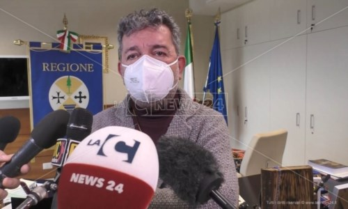 Scuole Calabria, Spirlì: «Sono i luoghi di contagio, presto ordinanza in base ai dati»