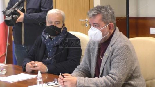 """Consiglio regionale, bluff del centrodestra: polemizza con Longo ma """"grazia"""" Spirlì"""