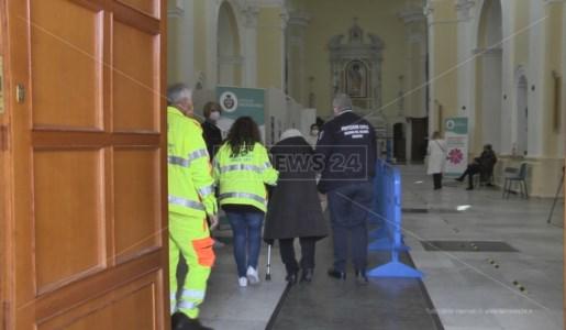 La chiesa di San Pietro a Mendicino adibita a punto vaccinale