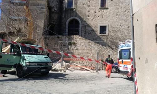 Incidente sul lavoro a Placanica, operaio muore colpito da una trave