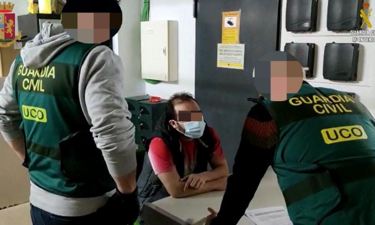 'Ndrangheta, rientrato in Italia il latitante Giuseppe Romeo: era stato catturato in Spagna