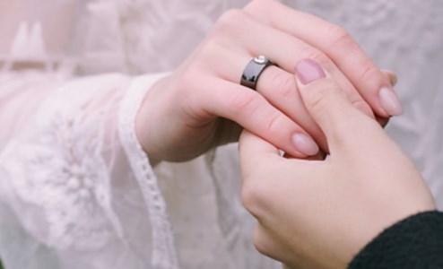La Chiesa dice no alle benedizioni della coppie gay: «È illecito»