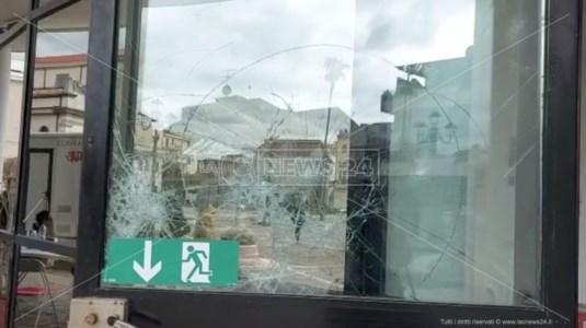 Offese, minacce e danneggiamenti: nella Locride i sindaci tornano sotto tiro