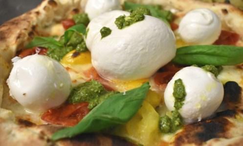 Pizzad'A, il Bufalarium: ecco il tempio della pizza dove regnano le eccellenze calabresi e campane