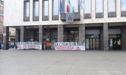 Emergenza abitativa a Cosenza, riunione in corso al Comune