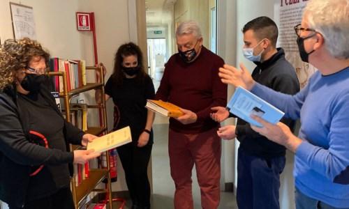 Crotone, Gerardo Sacco e MutaMenti inaugurano la prima biblioteca aziendale