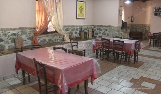 La sala ristorante dell'Agriturismo 4 Stelle di Celico