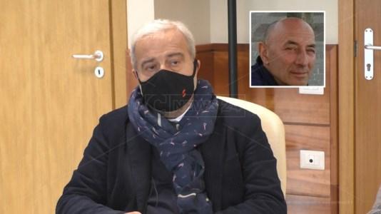 Il commissario ad acta, Guido Longo. In alto, il sub commissario, Michele Ametta