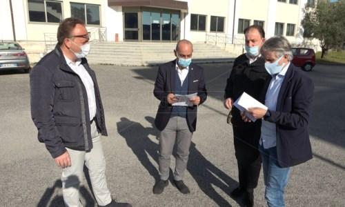 Lamezia, personale ridotto all'osso in Comune: i sindacati criticano anche i commissari