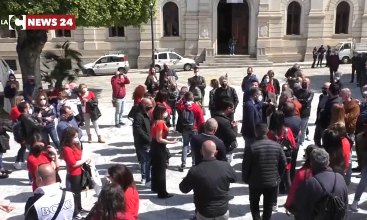 Un momento della protesta a Reggio Calabria