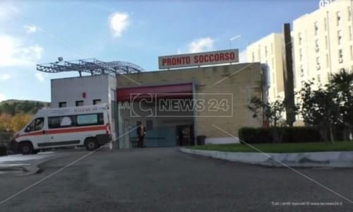 Covid, a Crotone situazione esplosiva: tanti contagi ma mancano posti letto e ambulanze