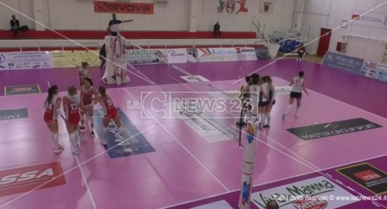 Pallavolo femminile A2, il Volley Soverato cade in casa contro Pinerolo
