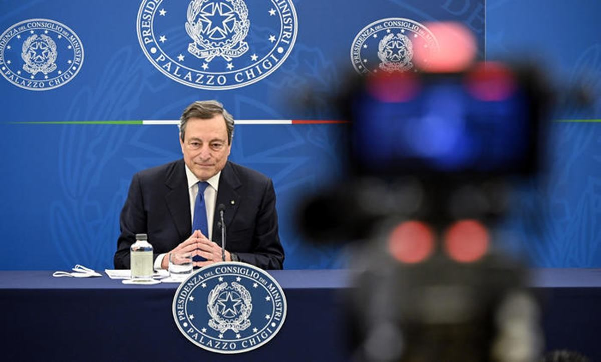 Draghi in conferenza stampa (ansa)