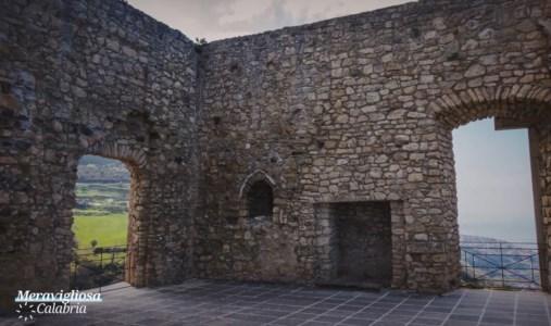 Il castello di Fiumefreddo e la porta del sangue di Guardia Piemontese protagonisti a Meravigliosa Calabria