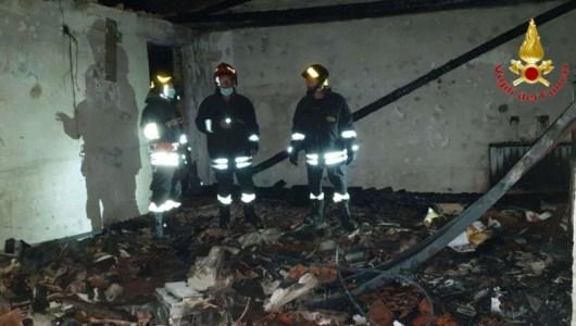 Incendio in un appartamento a Gerocarne, evacuate due famiglie