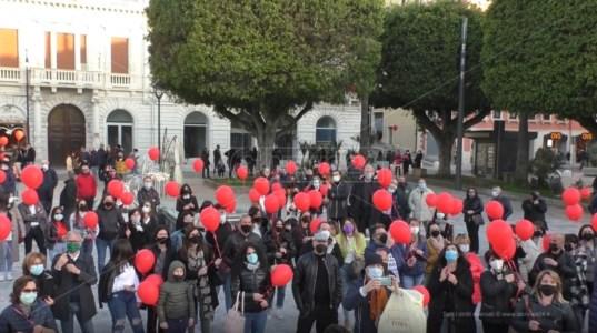 Covid, a Reggio commercianti in piazza contro la crisi: «Chiediamo interventi concreti»