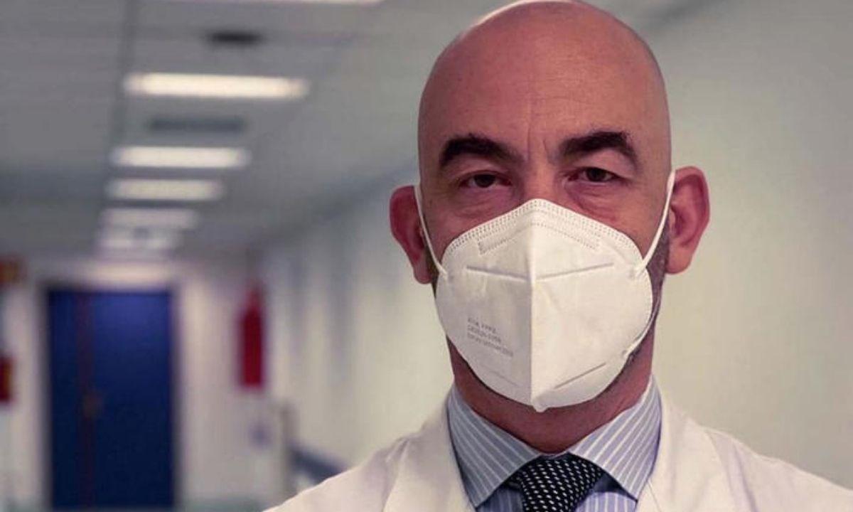 Il professor Matteo Bassetti (foto Ansa)