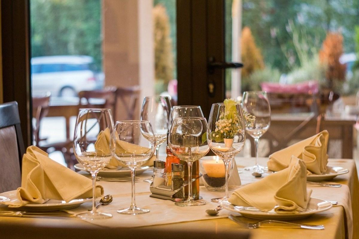 Un ristorante vuoto. Fonte foto: dal web